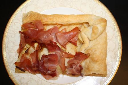 Torta-salata-con-mele-renette-e-speck