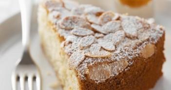 Torta-con-farina-di-mandorle-e-mele